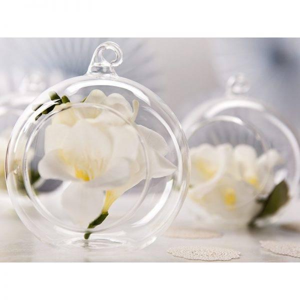 Kula szklana z dziurką i wstążką