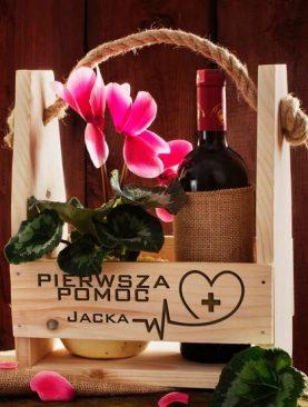 Drewniana skrzynia na prezent, kwiaty, wino z Twoim grawerem