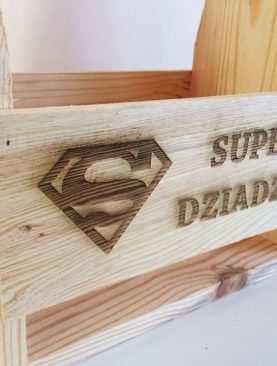 Skrzynka z grawerem SuperMan dla Dziadzia Taty