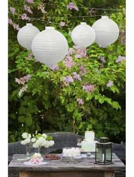 Lampion papierowy BIAŁY z żarówką LED 20cm