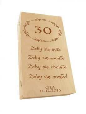 Kuferek SKRZYNECZKA urodzinowa z GRAWEREM na 30 urodziny
