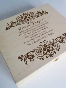 Elegancka skrzynia na prezent - naturalna drewniana