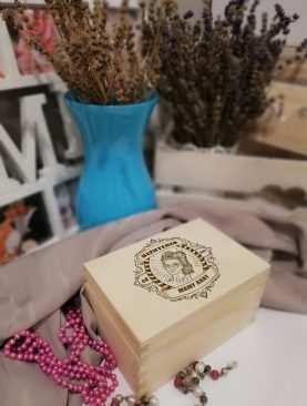 Szkatułka drewniana na BIŻUTERIĘ i SKARBY na prezent z GRAWEREM wzór 13