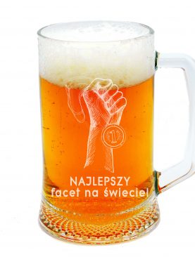 Kufel na piwo na Walentynki dłoń z medalem