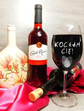 Walentynkowy kieliszek do wina dla niej Kocham Cię