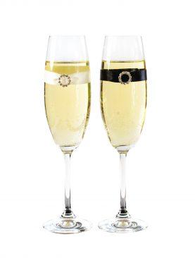 Subtelne kieliszki do szampana - komplet z rozetką