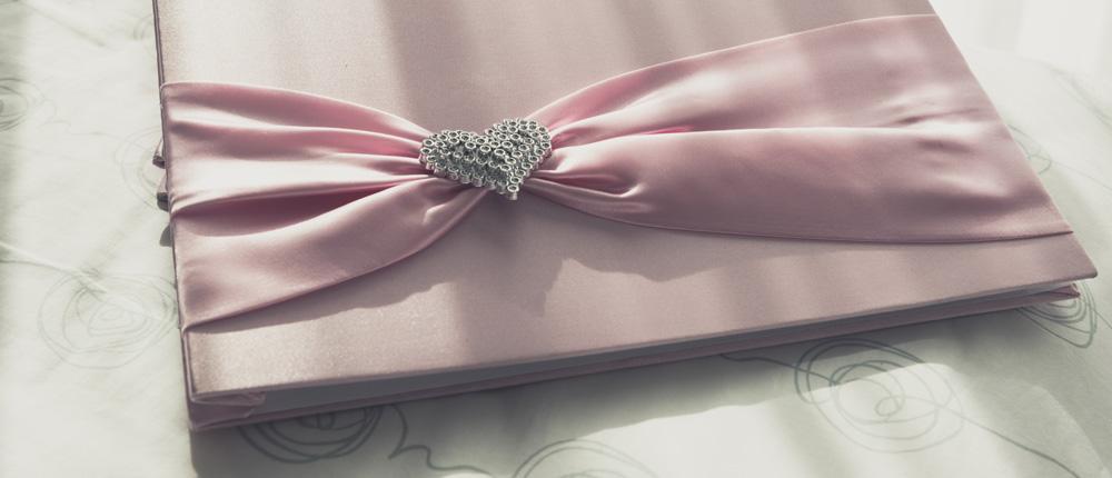 Jak wybrać księgę gości weselnych – rodzaje i polecane wzory