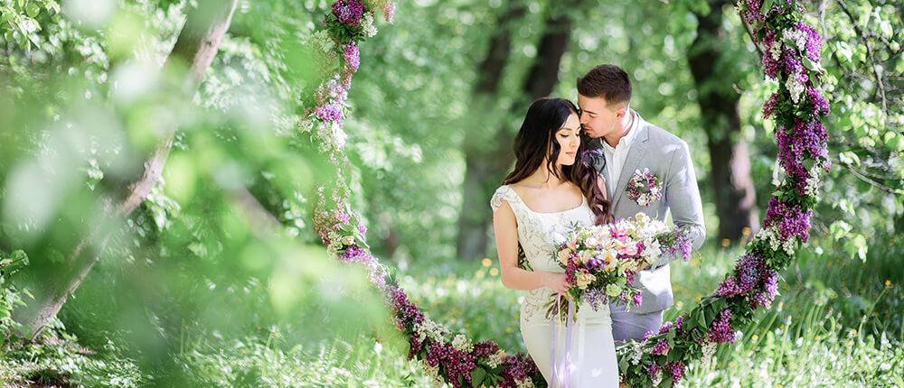 Sezonowe dekoracje ślubne – wiosna i lato